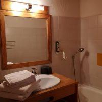 Salle de bain chambre Standard Maison d'à-côté Alliey & Spa