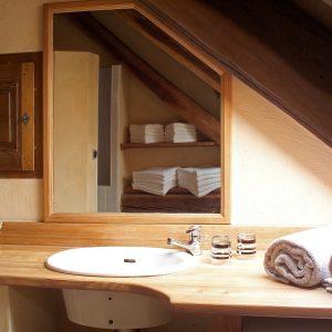 salle de bains des clochettes maison d'hôtes Alliey & Spa
